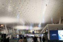 天河机场T3航站楼,充满现代元素,建筑风格耳目一新。