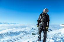 瑞吉山-早起天蒙蒙亮,窗外的通透美景让我忍不住拍摄一张。瑞士的雪山名不虚传,我们去的是阿尔卑斯山脉中