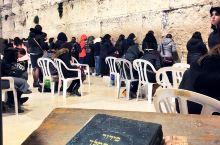 位于耶路撒冷旧城的哭墙,是犹太人的民族象征。两千年前,犹太人建了一座宏伟的第二神殿敬拜上帝,后来罗马