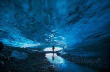 神奇的蓝冰洞