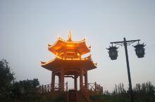 丝绸之路,从北京出发 第一天住巴彦淖尔 今天到额济纳旗胡杨林 一路向西,从草原到戈壁 路况无敌 空气