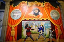 挂满木偶的老餐厅,图恩皇家木偶剧院餐厅ROYAL THEATRE TOONE  从啤酒专卖店继续往