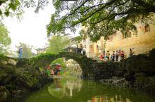 带着狗子旅游之黄姚古镇 去桂林旅游,途径这里住宿。古镇感觉不大,商业味道也不是很浓。坐船游览了一小圈
