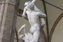佛罗伦萨·托斯卡纳大区 意大利·欧洲 意大利佛罗伦萨街头的雕塑。2004年的时候有机会去了一趟意大利