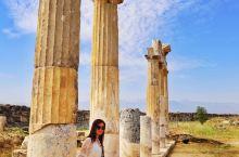 希拉波利斯古城曾经是古希腊、古罗马帝国的圣城,希拉波利斯这个词在希腊语的意思就是圣城。这里在古罗马时