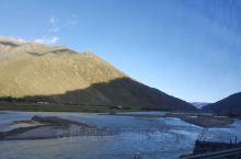 前往纳木错的路上,经过那根拉,海拔5190米