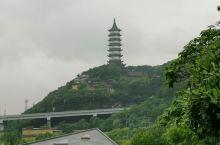 镇海威远城。抗法战场,城墙保护完好,庙宇众多,值得一游。