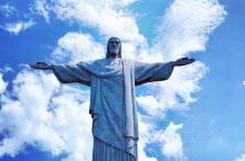 里约是一个神奇的地方,我对他的向往特别单纯——只想看看耶稣山到底是什么样的,只怪当年里约奥运会的电视