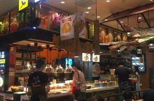 推荐这家店,在相城天虹地下一层,中午的时候生意好的满座,打包回家吃。包装的很细心不会外撒。番茄鱼可以