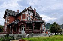 来到北九州怎能错过门司港怀旧区?这里有许多西洋建筑物,也有很多怀旧美吃,建议游玩3小时,每个建筑物都