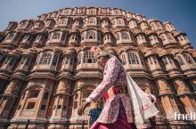 粉色之城斋浦尔,拉贾斯坦邦的省会,是一座迷人的历史重镇,也是通往印度最令人神往之邦的门户。  这座城