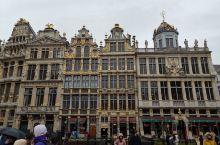 卢森堡坐三小时火车, 可到达比利時布鲁塞尔, 卢森堡是隱藏的土豪国, 比利時则是欧洲的著名大哥之一,