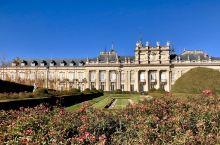 在塞哥维亚Segovia 郊区,有一所西班牙国王的夏宫Real Sitio de Ildefonso