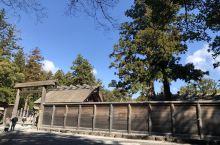 """新天皇即位之前的伊势神宫,人山人海,在日本有""""一生之中一定要去参拜一次伊势神宫""""的说法,可见这神宫的"""