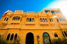 tokyo palace hotel  早上6:30左右就抵达了Jaisalmer。酒店的来接的司机