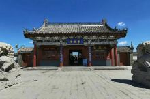 奉国寺位于中国辽宁省锦州市义县。奉国寺占地面积约6万平方米。奉国寺是中国国内现存辽代三大寺院之一,其