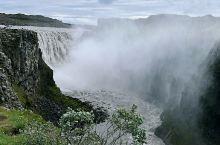 被认为是欧洲落差最大、流量最大的瀑布。要去黛提瀑布需行驶很长的一段砂石路,有车经过或者跟在其他车后尘