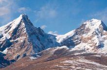 你与西藏只差一个山南的距离  东方神山沃德贡杰、卫藏神山雅拉香布、南方神山库拉岗日,北方神山念青唐古