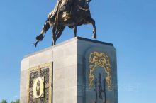 """乌兰浩特在蒙古语中的意思是""""红色的城市"""",这里有丰富的自然资源,无论是土地资源、水资源、农畜产品资源"""