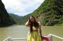 卢氏双龙湾景区风光很美,在流水分裂出来的风景线上,幻生出森林之景、洞穴之美和飞流瀑布形成的霓虹交错之