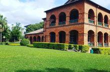 欧式基督教风情——真理大学       这所大学常年开放的,它是西班牙式的建筑,可以在中国就能感受到