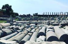 废墟上的繁荣——伊兹密尔市场  一大早的就被朋友从酒店的床上挖了起来,神秘兮兮的说带我去个好地方,一