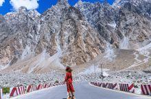 巴基斯坦境内的喀喇昆仑公路  从hunza到中巴边境的sost小镇,一直沿着喀喇昆仑公路往中国,从山