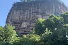麦积山石窟是我国四大石窟之一,历经千余年的雕塑,是古代劳动人民留下的宏伟作品!