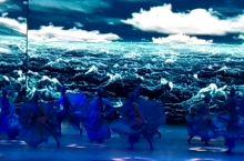 广东珠海海泉湾度假区里的梦幻剧场,其中的一个美伦美奂的节目之一,舞蹈的编排、演员的表演、舞台设计,演