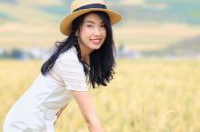 青海门源,走在乡间小路上,放眼望去是大面积的青稞地。 远山,村庄,诗和远方。 八月的门源,虽然油菜花