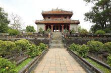 """屹立在香江之畔的越南"""" 故宫 """" ——顺化明皇陵  如果你想了解一个国家的历史,就一定要去那里的皇宫"""