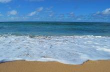 正在计划下一次度假?来摩洛凯岛吧!这里被认为是最具夏威夷风情的岛屿,不仅没有高楼大厦,甚至连红绿灯都