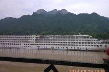 万里长江——两岸猿声啼不住,轻舟已过万重山