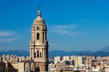 非常喜欢这个大教堂,坐落在市中心的位置,很好找,游客蛮多,随着蓝天和白云,拍照非常好看。旁边是一个广