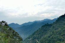 """秋天故事.风崖谷,""""独占山谷""""好奇妙。 风崖谷位于磐安县尚湖镇岭干村,这里不仅有山和水,还有网红玻璃"""