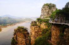 远古易水湖,旅游打卡地   距京城150公里的河北保定易水湖原本是一个依山势而建的水库,这潭湖水与山