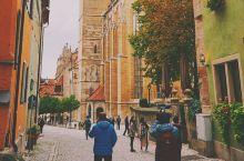 """喜欢德国的秋天,喜欢这里金黄色和铁锈红的枫叶带给我的视觉体验~ 罗腾堡-童话里的建筑,遇见了这里的"""""""
