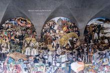 墨西哥的国家办事处还可以涂鸦?       国家宫之前是阿兹特克帝国的一座宫殿。自从西班牙殖民者到来