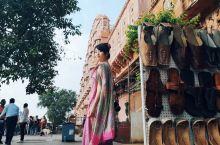 印度风之宫殿  修建时间:1799年  门票:免费  游玩时间:9:30以后  斋普尔最有特色的地标