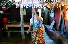 这或许是,SIGIRIYA才有的特别体验,去往当地村民的家里,看一看,他们是怎么就地取材,顺便,还能