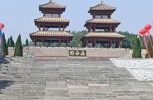 函谷关,我国历史上建置最早的雄关要塞。现存关楼为仿秦汉建筑,1992年建造。