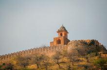 """印度也有""""长城""""——失落的纳哈加尔堡 纳哈加尔堡建于1734年,并于1868年扩建,它矗立于斋普尔老"""