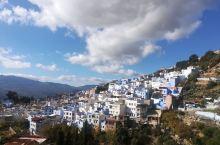 摩洛哥的舍夫沙万蓝色小镇拍照圣地,满眼不同层次的蓝色,地中海风格与阿拉伯风汇集一起别有味道。这里值得