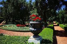 🍀【海法印象】  💧位于地中海沿岸。来这里的游客,大多数都是为了参观巴哈伊花园。 💧海法是一个风水很