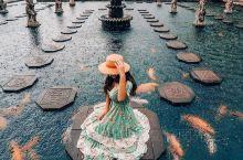 ✨巴厘岛最欧气的旅游地!在壮丽的水宫里轻盈地漫步,体验锦鲤围绕~  🌈Tirta Gangga是印度