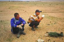 """摔跤,蒙古语称为""""搏克"""",蒙古族的传统体育活动。早在十三世纪时已经盛行于北方草原。既是体育活动,也是"""