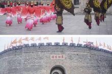 """山东济宁曲阜的孔府、孔庙、孔林,统称曲阜""""三孔"""",是中国历代纪念孔子,推崇儒学的表征,在1994年孔"""