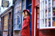 来约克,邂逅一场彩色的中世纪魔幻之旅~ 约克比起 伦敦 ,给人以更中世纪、更英伦的感觉。红砖墙瓦,彩