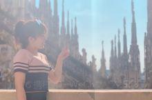 米兰大教堂拍照攻略 1.顶楼。建议黄昏的时候到顶楼,你会成为最文艺的小仙女 门票可以用支付宝购买,买