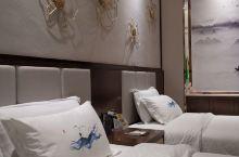 新酒店,田园式装修风格,厚重又诗情画意的,酒店设施高档,干净。